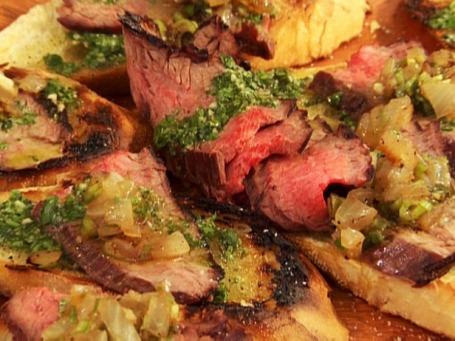 GT0106_Flank-Steak-Crostini_lg